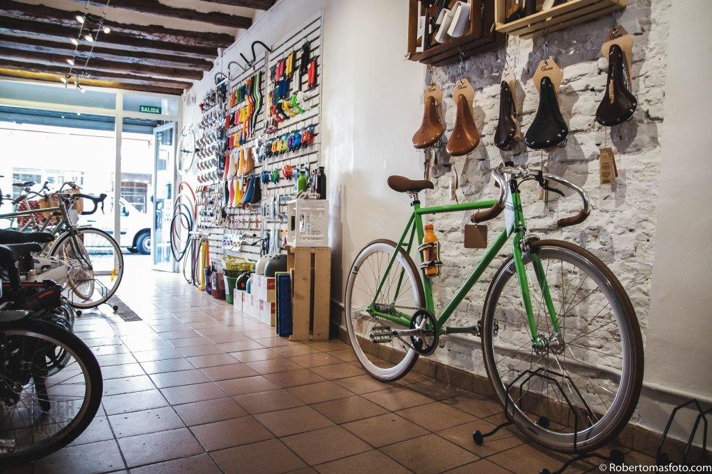 La Pomada Bikes, bicicletas de ciudad en Zaragoza Le Velo Foto Rober Tomas